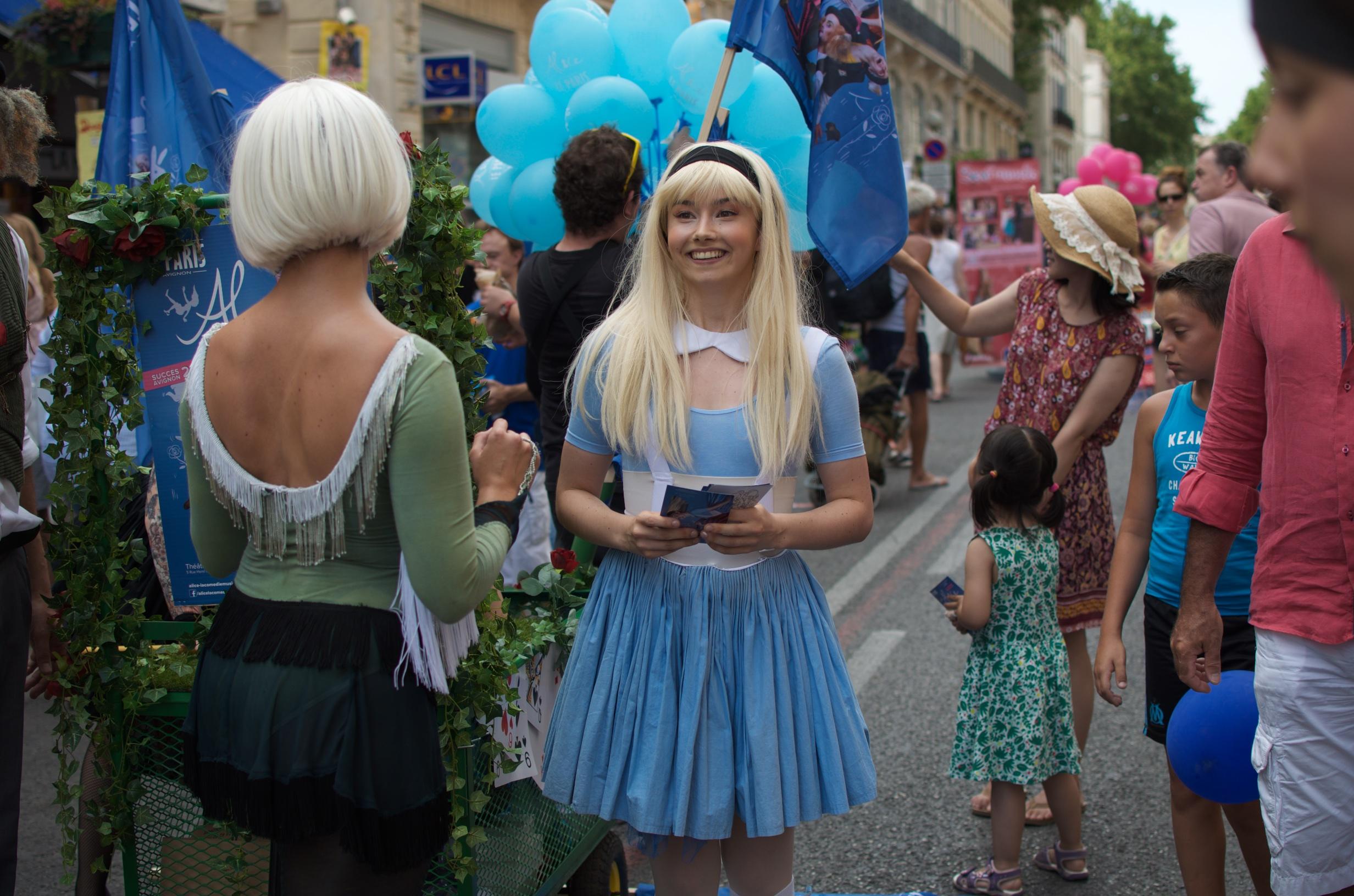 Festival d'Avignon : quelle est la différence entre le IN et le OFF ?